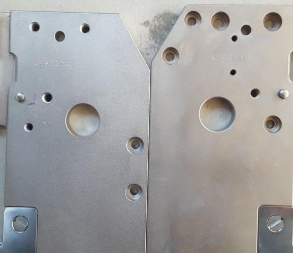 2 SETS Technopack Schlossplatte rechts und links (2)